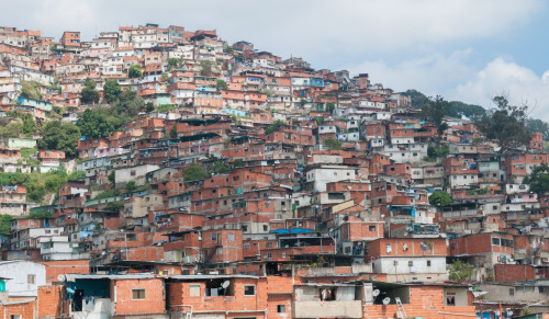 1.Petare_Slums_in_Caracas