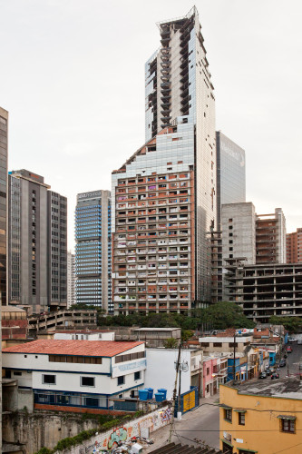 Torre David in Caracas / Daniel Schwartz/ U-TT & ETH