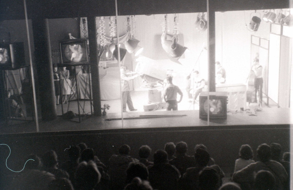 Demonstration of colour television, Soviet Union pavilion, Expo 58 World Fair, Brussels, 1958 / allhails / flickr.com