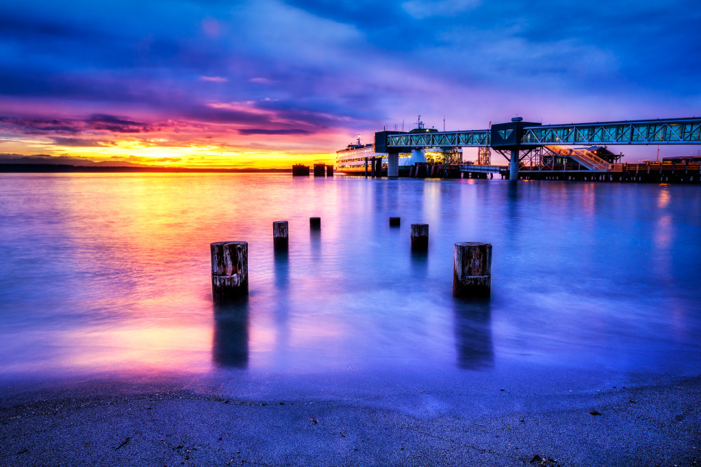 Edmonds Ferry at Sunset / Michael Matti / flickr.com