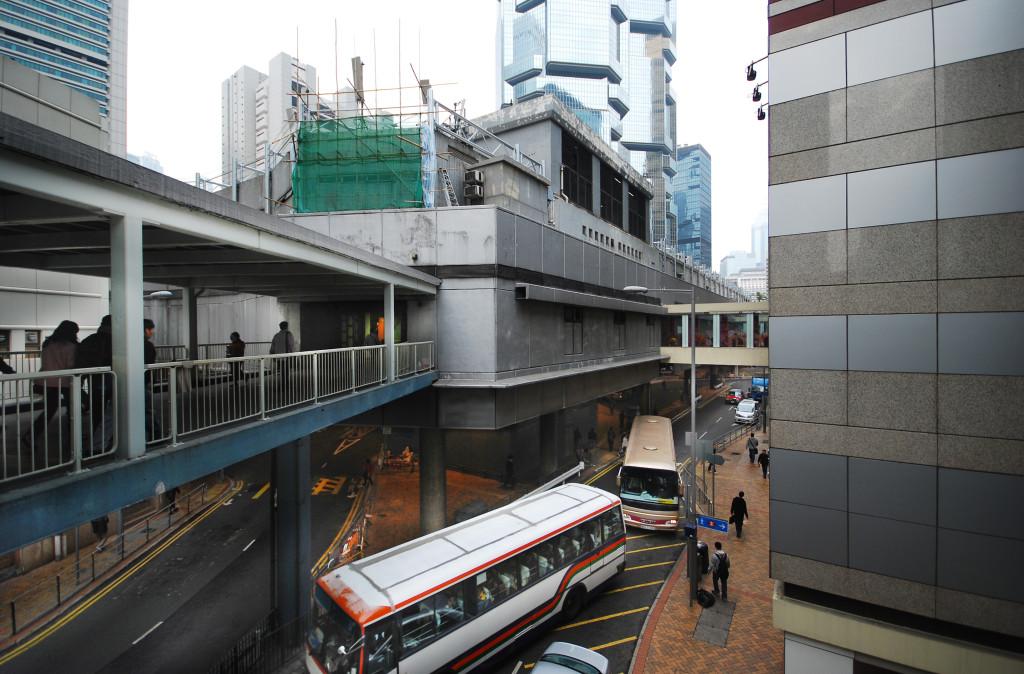 Hong Kong layered urbanism / Jonathan D. Solomon