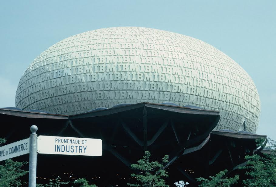 IBM pavilion at New York World Fair 1964 / Walter Reed / flickr.com